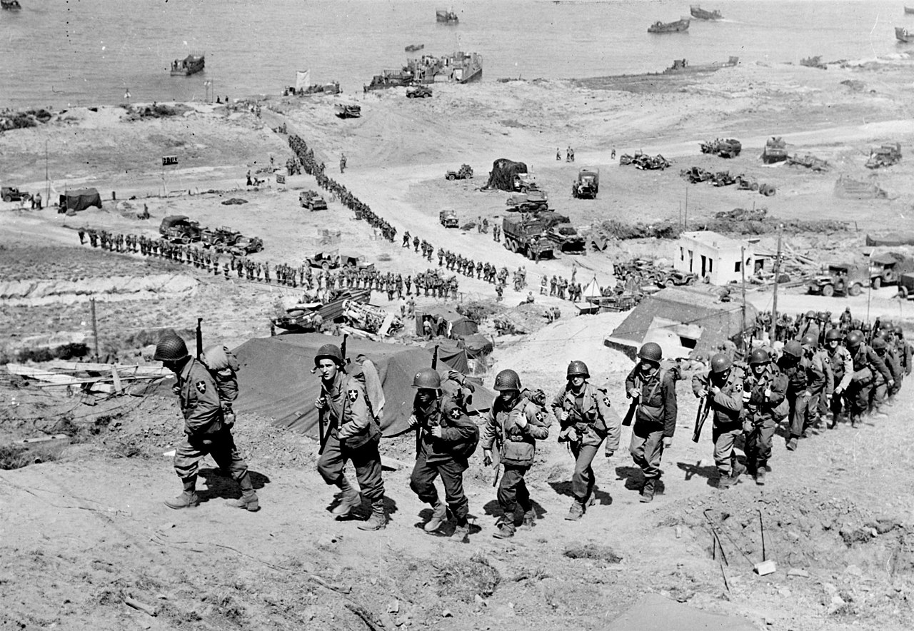 Omaha_Beach,_D+1,_June_7,_1944