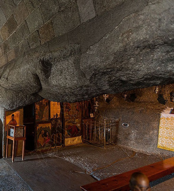 Patmos-Cave-of-the-Apocalypse_2