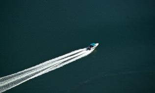 motorboat-425053_960_720